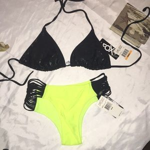 NWT Fox Vamp Multi Band Bottom,Trilliant Slide top